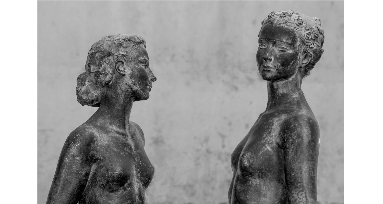 Les dones de pedra i bronze